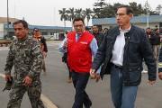 Le président péruvien Martin Vizcarra (à droite) s'est... (PHOTO FOURNIE PAR LA PRÉSIDENCE PÉRUVIENNE VIA AFP) - image 2.0
