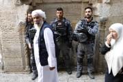 La police israélienne a fermé provisoirement certains accès... (AFP) - image 3.0