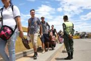 Hier et samedi, des dizaines de milliers de... (PHOTOCARLOS EDUARDO RAMIREZ, REUTERS) - image 2.0