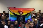 Une militante présente mardi à la Haute Cour,... (AFP) - image 2.0