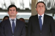 Sergio Moro et Jair Bolsonaro.... (AP) - image 2.0