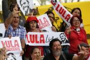 Des partisans de Lula réclament sa libération, à... (AP) - image 4.0