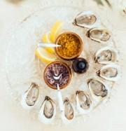 L'endroit offre des plateaux d'huîtres, en promo à... (PHOTO CHARLES MACKAY, TIRÉE DE FACEBOOK) - image 5.0