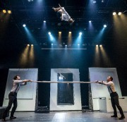 « Montréal Complètement Cirque, c'est un fabuleux voyage à... (EMMANUEL BURRIEL) - image 4.0