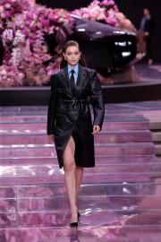 Chez Versace, le cuir est à l'honneur. Décliné... (PHOTO LUCA BRUNO, AP) - image 3.0