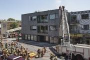 Une quarantaine de camions de pompiers ont... (PHOTO ROBERT SKINNER, LA PRESSE) - image 3.0