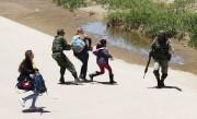 Le Mexique a déployé près de 15... (PHOTO HERIKA MARTINEZ, AGENCE FRANCE-PRESSE) - image 2.0
