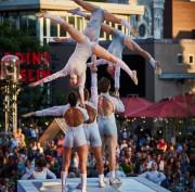 Les 10 ans de Montréal Complètement Cirque nous rappellent la... (ANDREW MILLER) - image 2.0