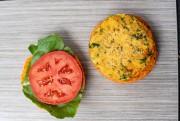Burger aux pois chiches de Gina et Saskia,... (PHOTO DAVID BOILY, LA PRESSE) - image 4.0