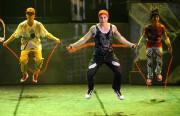 iD du Cirque Éloize, spectacle d'ouverturedu premier Montréal... (PHOTO BERNARD BRAULT, ARCHIVES LA PRESSE) - image 1.0