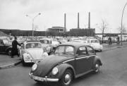 Des employés de Volkswagen rentrent chez eux à... (PHOTO AP) - image 5.0