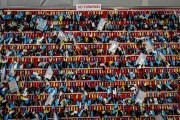 Les clefs des centaines de voitures d'occasion remises... (PHOTO JEAN-PHILIPPE KSIAZEK, AFP) - image 1.0