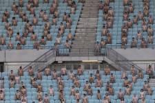 Spencer Tunick a photographié des centaines de personnes nues à travers le monde. Voici quelques-unes de ces scènes.