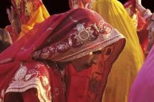Le musée Pointe-à-Callière présente dès mardi <i>Couleurs de l'Inde</i>, une exposition qui combine les prises de vues de la photographe française Suzanne Held et les trésors du musée Guimet de Paris et du Royal Ontario Museum.