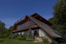 Notre journaliste avait remarqué cette maison, l'automne dernier, lors  de l'Opération Patrimoine architectural de Montréal. Elle a voulu en  savoir plus sur son histoire unique.