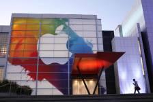 Le logo d'Apple est déjà bien en vue...