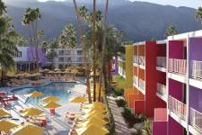 Voici l'hôtel Saguaro. Architectes: Peter Stamberg et Paul Aferiat.