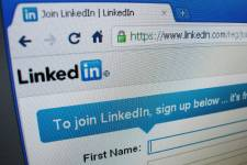 Le réseau social LinkedIn, axé principalement sur les contacts professionnels,... (Photo Reuters)