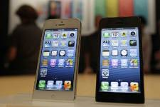 Apple a installé sur le iPhone 5 son... (Photo: AP)