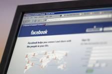 Facebook a annoncé jeudi le lancement d'un test visant à faire payer lors de... (Photo: PC)