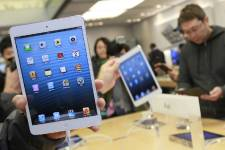 Après sa sortie au Japon, l'iPad mini va... (Photo Reuters)
