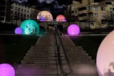 Lyon s'illumine de mille feux durant quatre jours (6 au 9 décembre) à l'occasion de sa quatorzième Fête des Lumières. La nouvelle édition se déroulera sur le thème de la «féérie et de la magie».