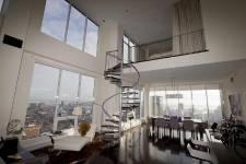 appartement au 37e étage du 400 Sherbrooke Ouest.
