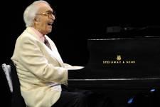 La carrière du pianiste de jazz Dave Brubeck né en 1920 et mort le 5 décembre 2012.