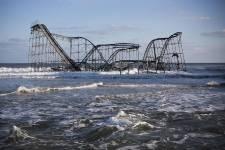 L'ouragan a déferlé à la fois sur la... (Photo Andrew Burton, Reuters)
