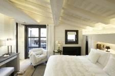 Les stations de ski françaises abritent parmi les plus beaux hôtels de France. Deux des douze «palaces» français trouvent même refuge en haut des pistes, à Courchevel. Voici les nouveautés proposées cet hiver par cinq de ces établissements.