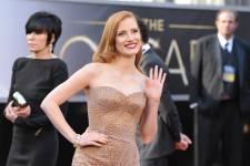 Découvrez les célébrités sur le tapis rouge de la 85e cérémonie des Oscars.
