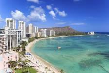 Il y a actuellement un véritable engouement pour Hawaii. Avec juste ce qu'il faut d'exotisme et de confort, le 50e État américain correspond parfaitement à l'idée des vacances. Souvent entraînées par leurs ados qui rêvent de surf, les familles y trouvent leur compte: histoire, culture, sports nautiques, baignade, etc. Vivant, branché et très agréable.