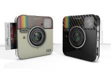 Socialmatic a revisité un classique de la photographie, le Polaroïd, en...