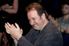 Plusieurs artistes ont rendu hommage à Paul Piché qui a reçu le prix artisan remis à une personne qui a marqué la Fête nationale du Québec.