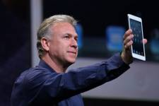 Le vice-président du marketing international d'Apple, Phil Schiller,... (Photo Kimihiro Hoshino, AFP)