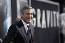 Plusieurs personnalités étaient présentes lors de la première du film <em>Gravity</em> d'Alfonson Cuaron qui se tenait le 1er octobre 2013 à New York.