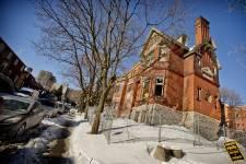 N'en déplaise à Héritage Montréal, la maison Redpath n'en a plus pour très longtemps. D'ici quelques jours, en principe, l'antique demeure victorienne sera vraiment de l'histoire ancienne.