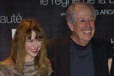 Il y avait foule à la Place des Arts pour la première du film de Denys Arcand, <em>Le règne de la beauté</em>. Six ans après <em>L'Âge des ténèbres</em>, le cinéaste oscarisé revient avec un drame romantique qui met en vedette Éric Bruneau, Marie-Josée Croze, Mélanie Merkosky et Magalie Lépine-Blondeau.