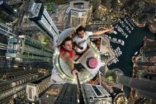 Le « rooftopping » ou l'art de grimper sur les plus hautes structures de la planète est décidément une spécialité russe. En février dernier, Vitaliy Raskalov et Vadim Makhorov ont fait sensation sur YouTube avec leurs ascensions de la tour de Shanghai. Inspiré par l'exploit de ses compatriotes, le Moscovite Alexander Remnev, 19 ans, et l'un de ses amis se sont dit qu'ils allaient profiter de leur visite à Dubaï, là où les gratte-ciels règnent, afin de prendre des « selfies » les plus vertigineux quisoient.