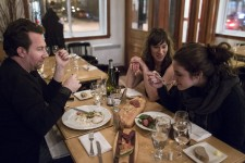 <p>Luc Dubanchet, directeur du festival de «jeune cuisine» Omnivore, passe sa vie à table. Pour bâtir une programmation de trois jours, il peut enchaîner une trentaine de repas. Au printemps, nous l'avons suivi dans l'une de ses tournées de repérage à Montréal, en compagnie de son bras droit, l'efficace et divertissante Valentine de la Garde. Le résultat de cette grande virée sera dévoilé la semaine prochaine à la Société des arts technologiques et dans quelques bonnes tables de la métropole. Place à Omnivore Montréal 2014.</p><p></p><p></p><h4></h4>