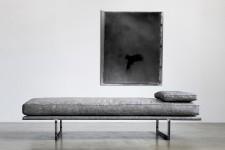 Élégant, commode, confortable. Le lit de jour, ce canapé sans dossier ni bras, si populaire dans la déco scandinave des années 50, fait un retour dans nos salons.