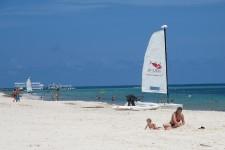 Avec ses quelque 40000 chambres, Punta Cana figure en tête des stations balnéaires les plus populaires de la République dominicaine. Pourtant, il y a à peine 35 ans, Punta Cana n'était qu'un bout de plage où poussaient de nombreux cocotiers, le tout dans un paysage vierge de tout complexe hôtelier.