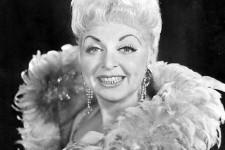 Nos photos de la reine du music-hall Muriel Millard décédée le dimanche 30 novembre 2014 à l'âge de 91 ans.