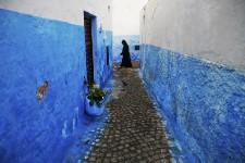 Dans l'ombre de Marrakech et son nightlife, de Casablanca et de sa vie urbaine, d'Essaouira et de sa beauté, de Fès et de sa culture, Rabat est, aux yeux de nombreux Marocains et touristes, une ville d'étudiants et de fonctionnaires peu attrayante. Pourtant, elle regorge de petits endroits agréables, aux sonorités de jazz et aux couleurs traditionnelles. Une capitale mal aimée à découvrir!