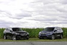 Le Pilot de Honda ne boxe pas dans la même catégorie que le XC90 de Volvo. Vrai. En revanche, la version la plus endimanchée - Touring - du japonais amène à réfléchir sur le prix que nous payons. L'écart de 10000$ entre ces deux modèles est-il justifié? Et accessoirement, quels avantages retirons-nous de la surenchère technologique à laquelle se livrent notamment les constructeurs haut de gamme? Deux questions qui taraudent régulièrement les consommateurs.
