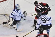 Les Saguenéesn ont amené les Huskies de Rouyn-Noranda en prolongation, jeudi, s'inclinant finalement 2-1, au terme d'un duel apprécié par les 2369 amateurs au centre Georges-Vézina.