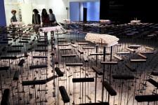Les architectes du monde entier, réunis à la Biennale de Venise, ont abandonné leurs projets spectaculaires pour se consacrer à des solutions simples et écologiques contre l'inégalité et la pauvreté qui règnent dans le monde. Place à laXVe Biennale de l'architecture de Venise, sous le thème En direct du front.