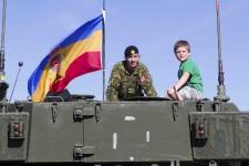 La base militaire de Valcartier a ouvert ses portes aux citoyens, samedi, pour la troisième fois en 102 ans d'histoire. Près de 9600 personnes ont participé à l'événement.