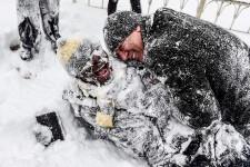 <strong>L'Europe subissait samedi un pic de froid glacial, avec des températures polaires qui ont fait au moins 17 morts en Pologne et en Italie et recouvert Istanbul d'un manteau de neige.</strong>