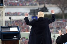 Donald Trump prête serment le 20janvier afin de devenir le 45eprésident des États-Unis.